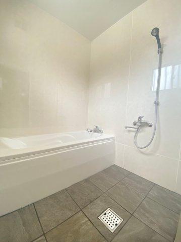 【浴室】沖縄市南桃原 中古戸建て