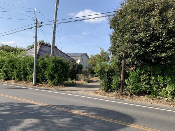 国道356線沿いの100坪超の広い敷地。 確定測量、分筆登記後建物解体更地渡しです。