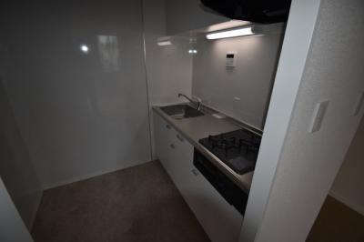 ガスコンロの広々としたキッチンです