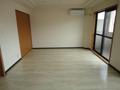 【居間・リビング】アプリコット・ハウス