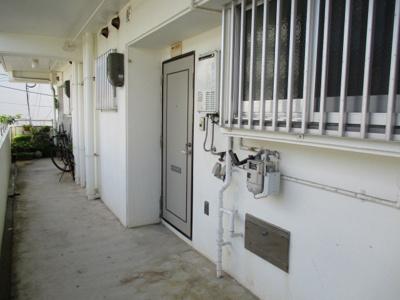 【玄関】大城アパート3