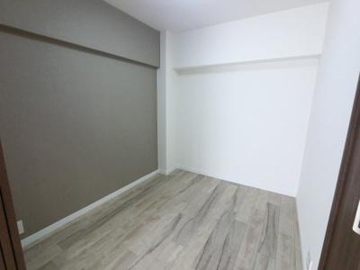 3.5帖の洋室です。 子供部屋やワークスペースとしても活用できます。