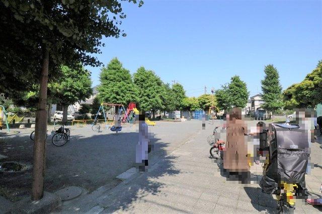 コーナン川崎小田店まで徒歩7分 スーパーロピアやノジマなどが入っています