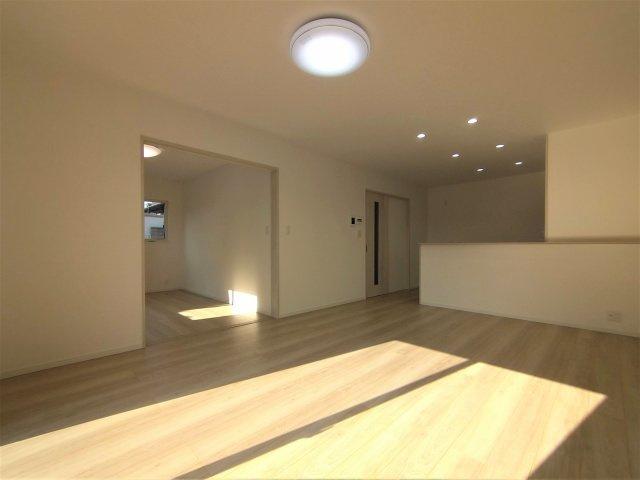 オール電化は空気も汚れず、IHキッチンでお掃除もラクラク!※イメージ写真