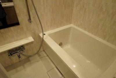 【浴室】アリュイッテ椎名町