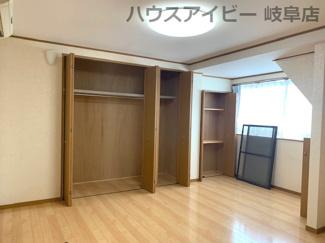 収納スペース豊富です。JR岐阜駅まで徒歩13分!地下室・駐車場有二世帯戸建て♪