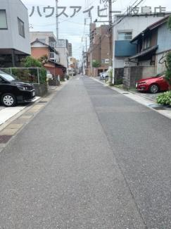 JR岐阜駅まで徒歩13分!地下室・駐車場有二世帯戸建て♪