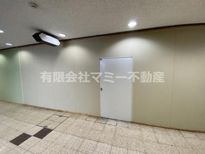 【内装】高架下店舗K