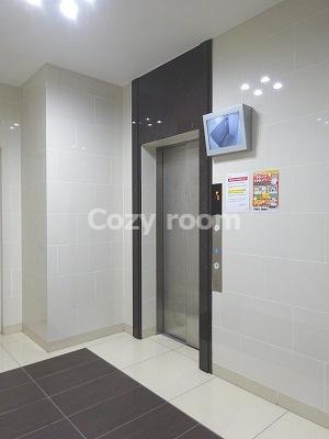 防犯カメラ付きのエレベーター