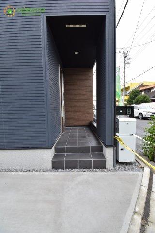 雨の日も安心な玄関ポーチ☆彡