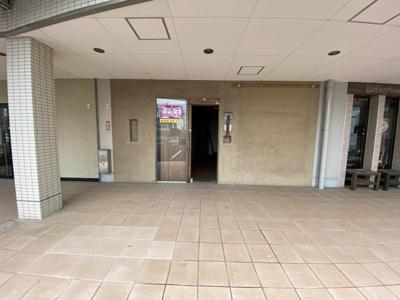 店舗入り口です。