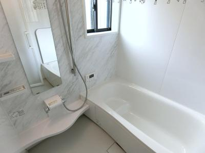 お風呂はパナソニック製の1坪タイプの浴室。
