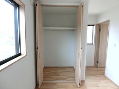 2階北側洋室収納。