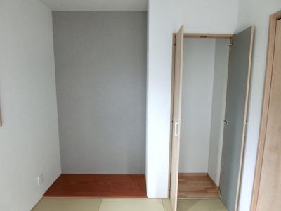 和室の床の間、収納です。