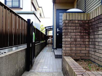 【エントランス】シャトレ和泉
