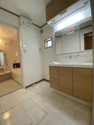【浴室】灘区赤坂通6丁目 新築戸建て