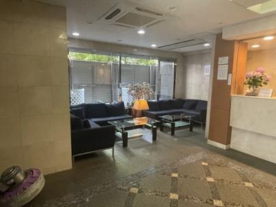 【エントランス】パレステュディオ新宿パークサイド