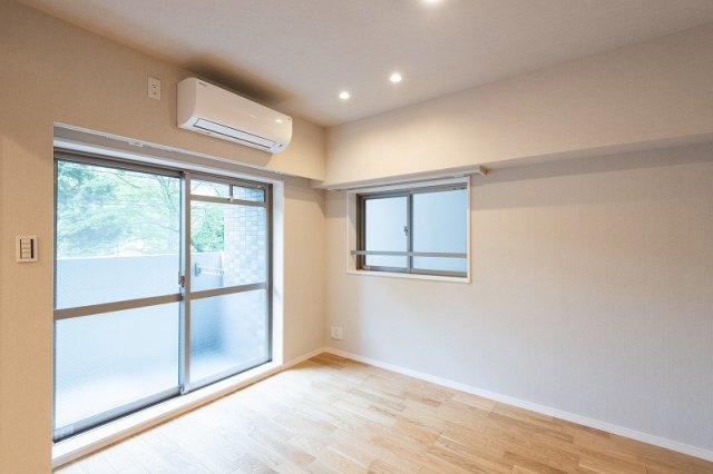 スカイコート日本橋浜町公園:洋室にはエアコンが付いております!