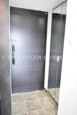 【玄関】ロアール横浜南参番館