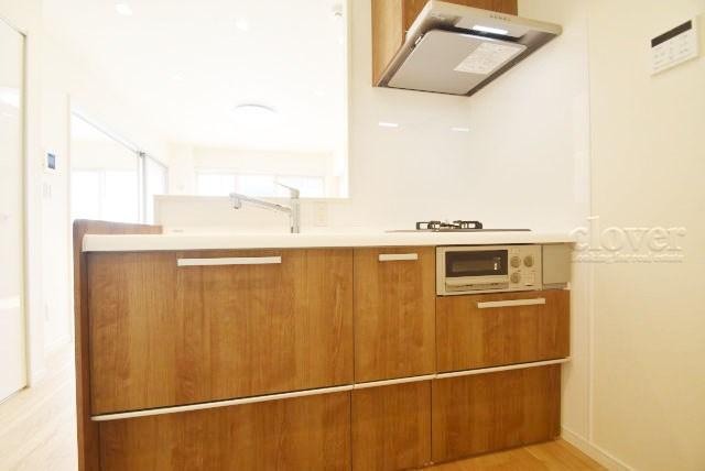 物件のお問い合わせは、 0120-700-968までお気軽にどうぞ! キッチン 料理がはかどる三口コンロ
