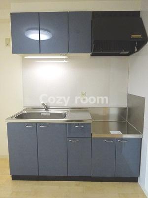広めで使いやすいコンロ設置型キッチンです