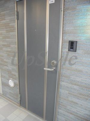 【玄関】210アパートメントB