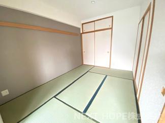 足を伸ばして寛げる和室6帖です♪畳・襖張替済み!お客様部屋として・小さなお子様の遊びスペースとして色々活躍してくれる居室です!気持ちよくご入居していただけます(^^)