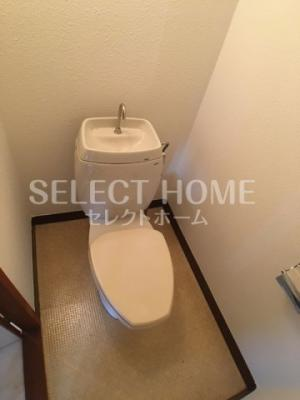 ゆったりとした空間のトイレです 同一タイプです