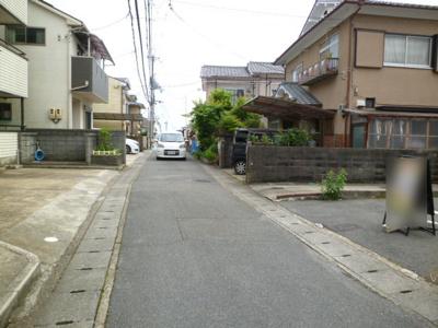 【前面道路含む現地写真】大枝中山町 建築条件無し売土地