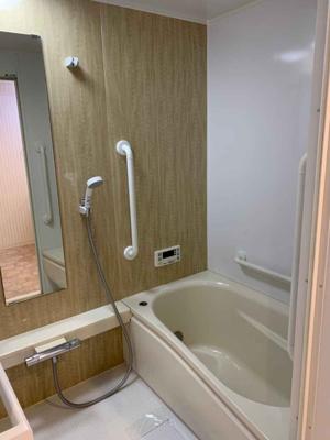 浴室もリフォーム済で大変美麗です♪綺麗なお風呂だと気持ちが良いですね♪
