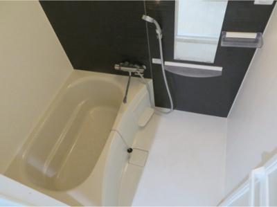 【浴室】ラ・フェリシア東中浜