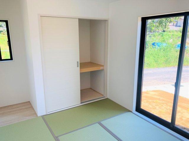 6.5畳 和室押入です。座布団やお布団、季節物の家電を収納できあると便利です。
