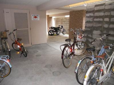 大型バイク駐輪可