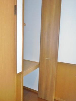 廊下収納スペース ※反転タイプ