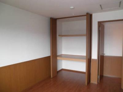 洋室6帖収納スペース