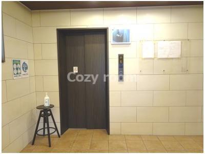 1階エレベーターホールです。