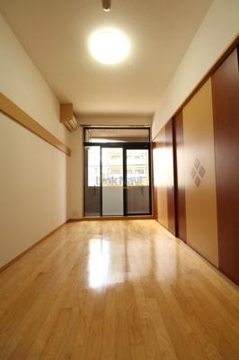 【寝室】フォレステージュ江坂垂水町