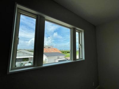 洋室 窓からの眺め