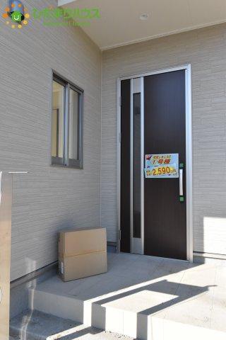 【玄関】鴻巣市松原 新築一戸建て リーブルガーデン 01