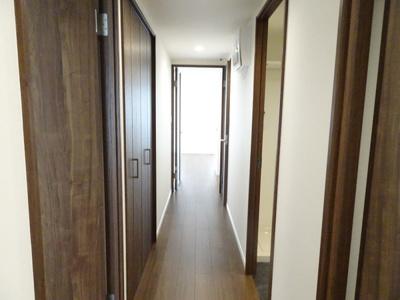 玄関を入ると、明るい空間が広がります♪