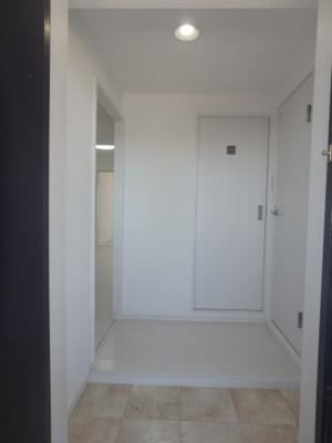 【玄関】ブルーシャトー板宿