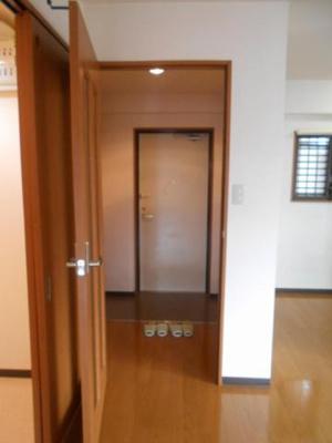 【玄関】リバーサイドマンション