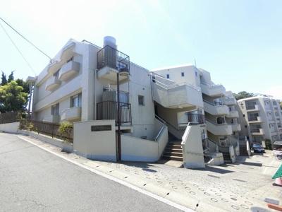総戸数33戸、昭和57年12月築、自主管理につき管理費を安く抑えられます。