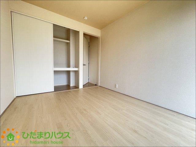 各部屋収納を完備しておりますので、大きな収納家具を買い足さずに済みそうです。