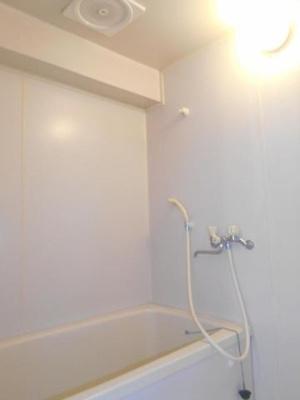 【浴室】メゾンドインカルシ