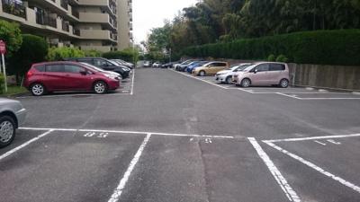 【駐車場】ライオンズマンション万博公園