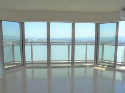 33階部分。遮るもののない圧巻の眺望です。
