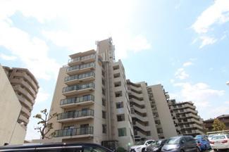 【宝塚売布コーポラス】地上8階建 総戸数77戸 ご紹介のお部屋は3階部分です♪