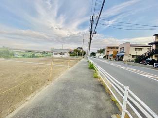 【前面道路含む現地写真】建築条件付き売地 中島