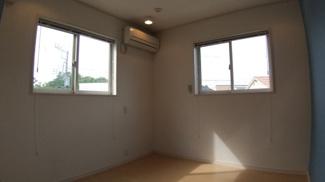 八千代市萱田町 中古戸建 八千代中央駅 2階洋室はそれぞれのお部屋に別々のアクセントクロスが貼ってあります!ぜひ現地をご確認ください!